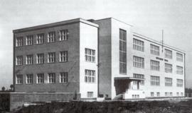 Původní podoba budovy školy